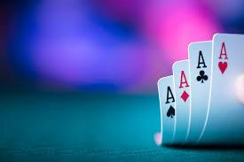 Menjadi Pemain Profesional Di Texas Hold'em Poker