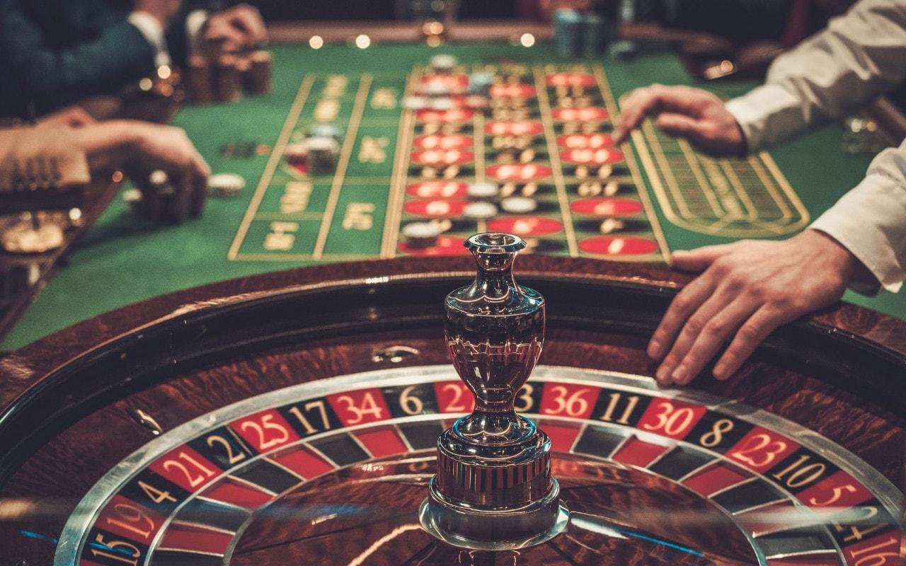 Kalian Penikmat Casino Darat Atau Casino Online?